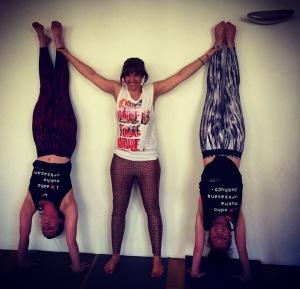 handstand4